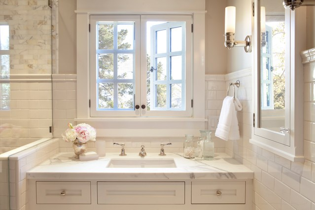 Eggshell colors | 10 Best and Worst Colors for Your Bathroom | Her Beauty