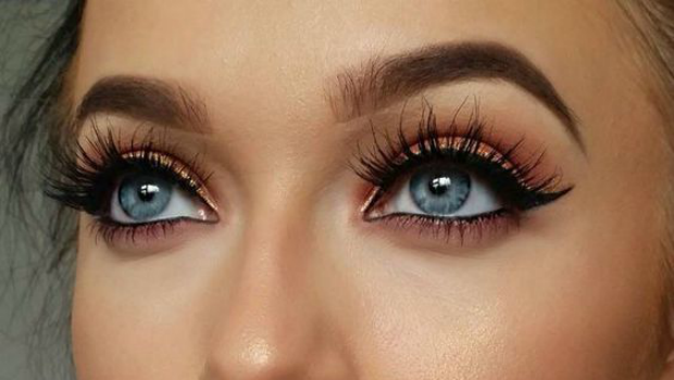 False Eyelashes | 9 Classic Makeup Looks to Rock | Her Beauty