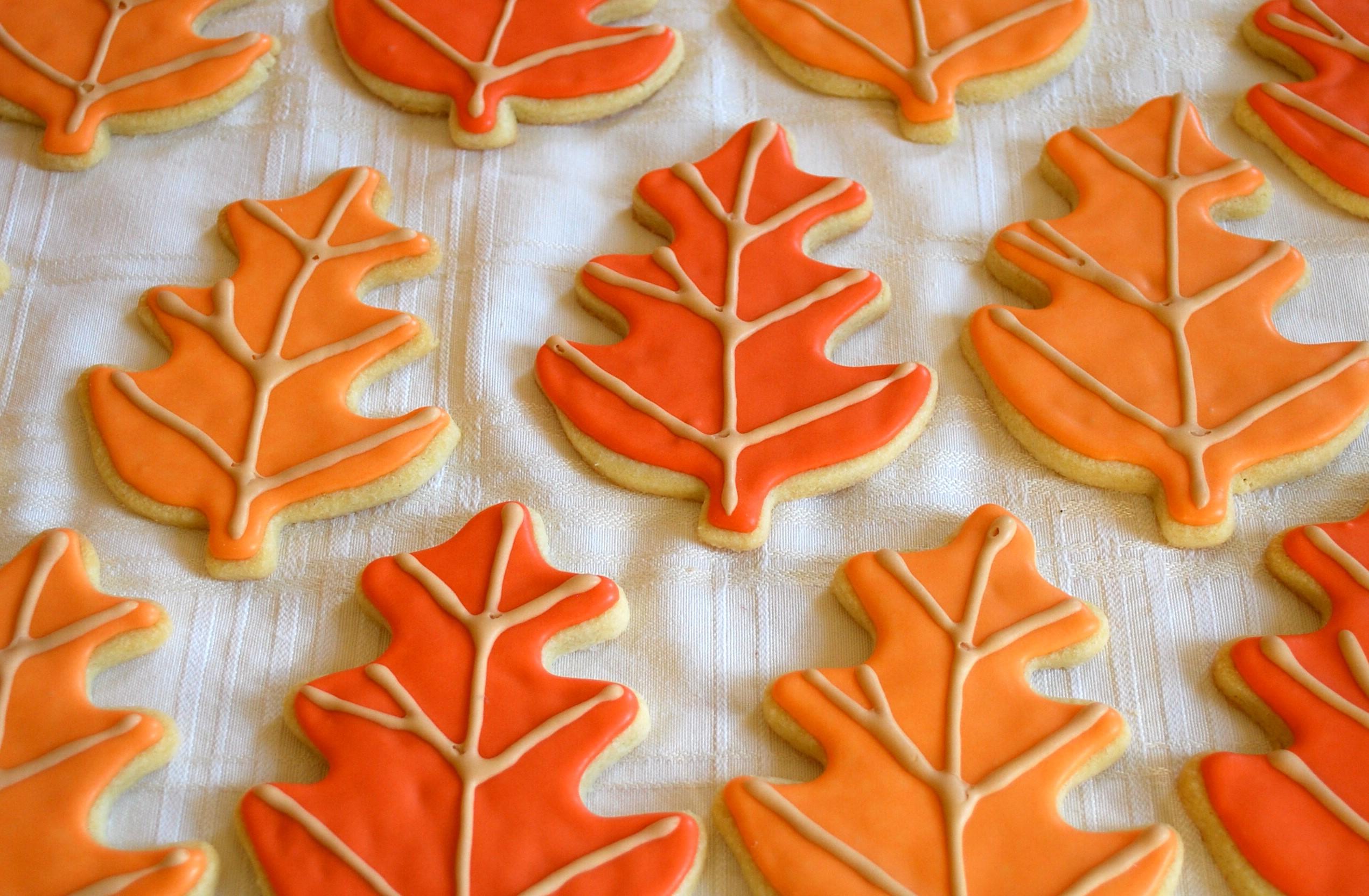 Leaf Cookies | 15 Easy Halloween Cookie Ideas | Her Beauty