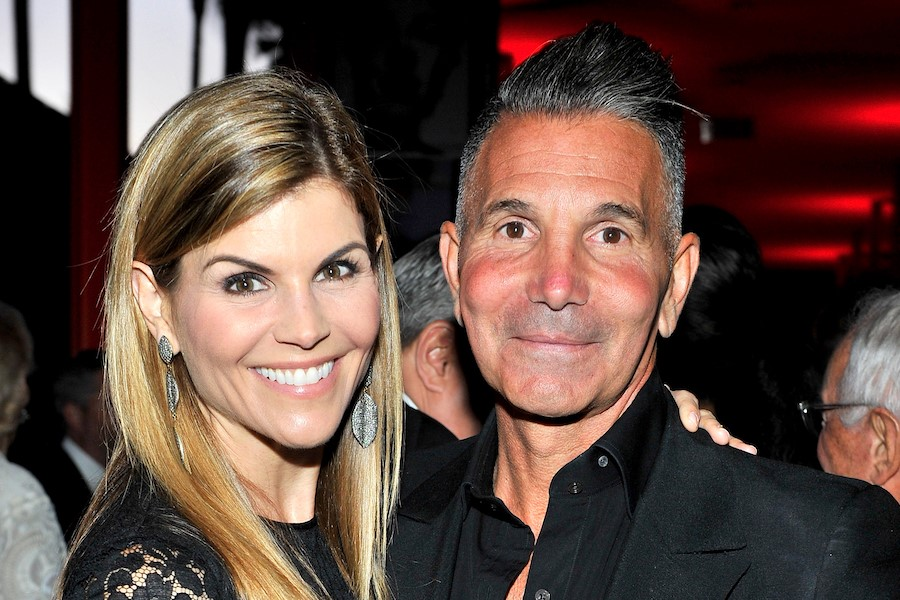 Lori Loughlin Husband | 8 Lesser Known Facts About Lori Loughlin  | Her Beauty