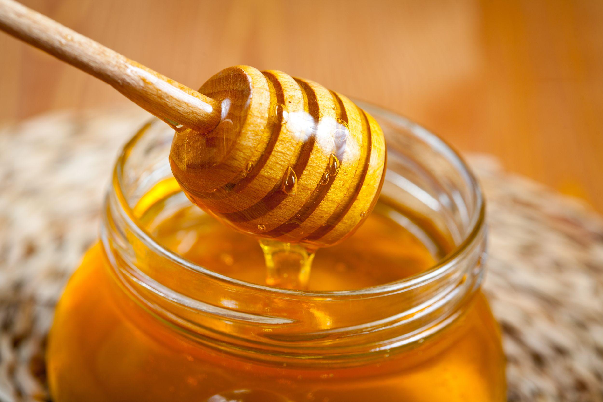 Miel | Estos 7 alimentos mejorarán tu desempeño en el gimnasio | HerBeauty