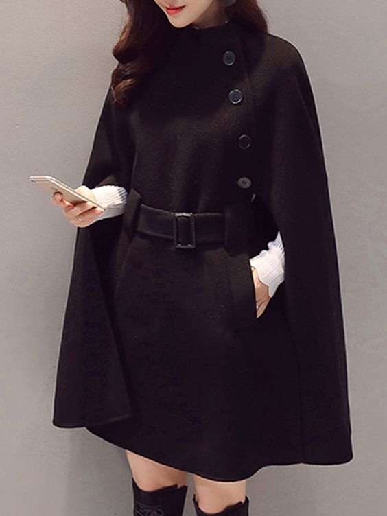 The cape coat | 10 Coolest Winter Coat Trends | Her Beauty