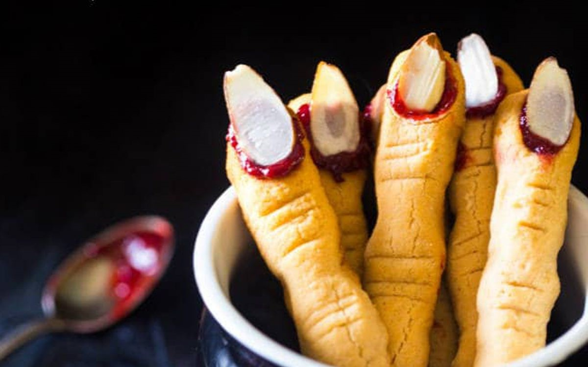 Witchy lady fingers | 15 Easy Halloween Cookie Ideas | Her Beauty
