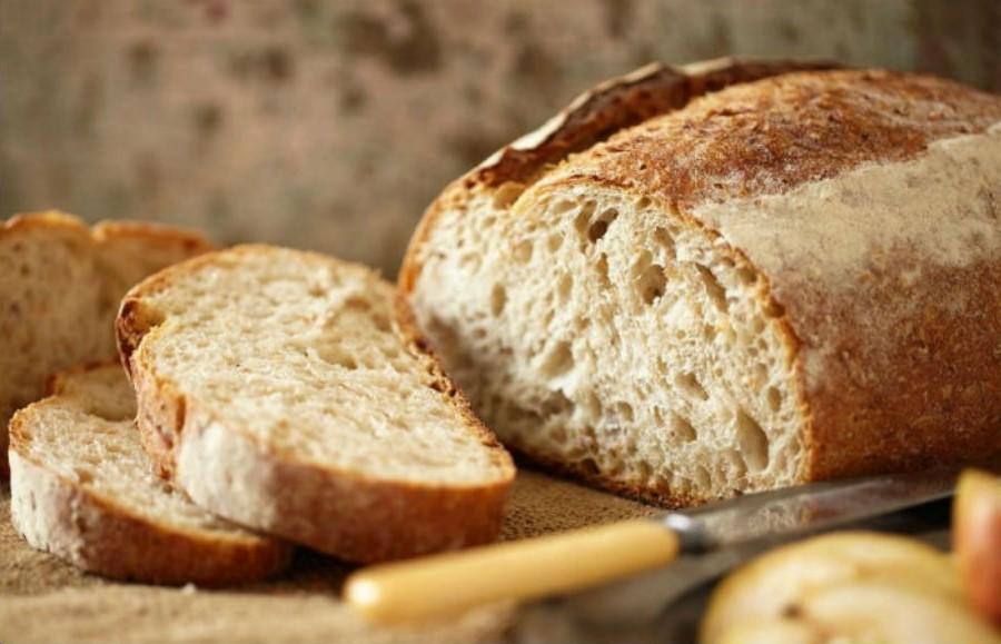Нарезать свежий хлеб | Бабушкины лайфхаки для кухни, которые актуальны и в наши дни | Her Beauty