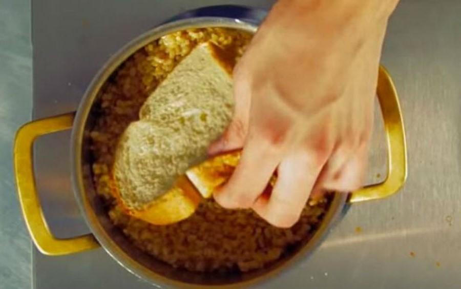 Спасти пригоревшую кашу | Бабушкины лайфхаки для кухни, которые актуальны и в наши дни | Her Beauty