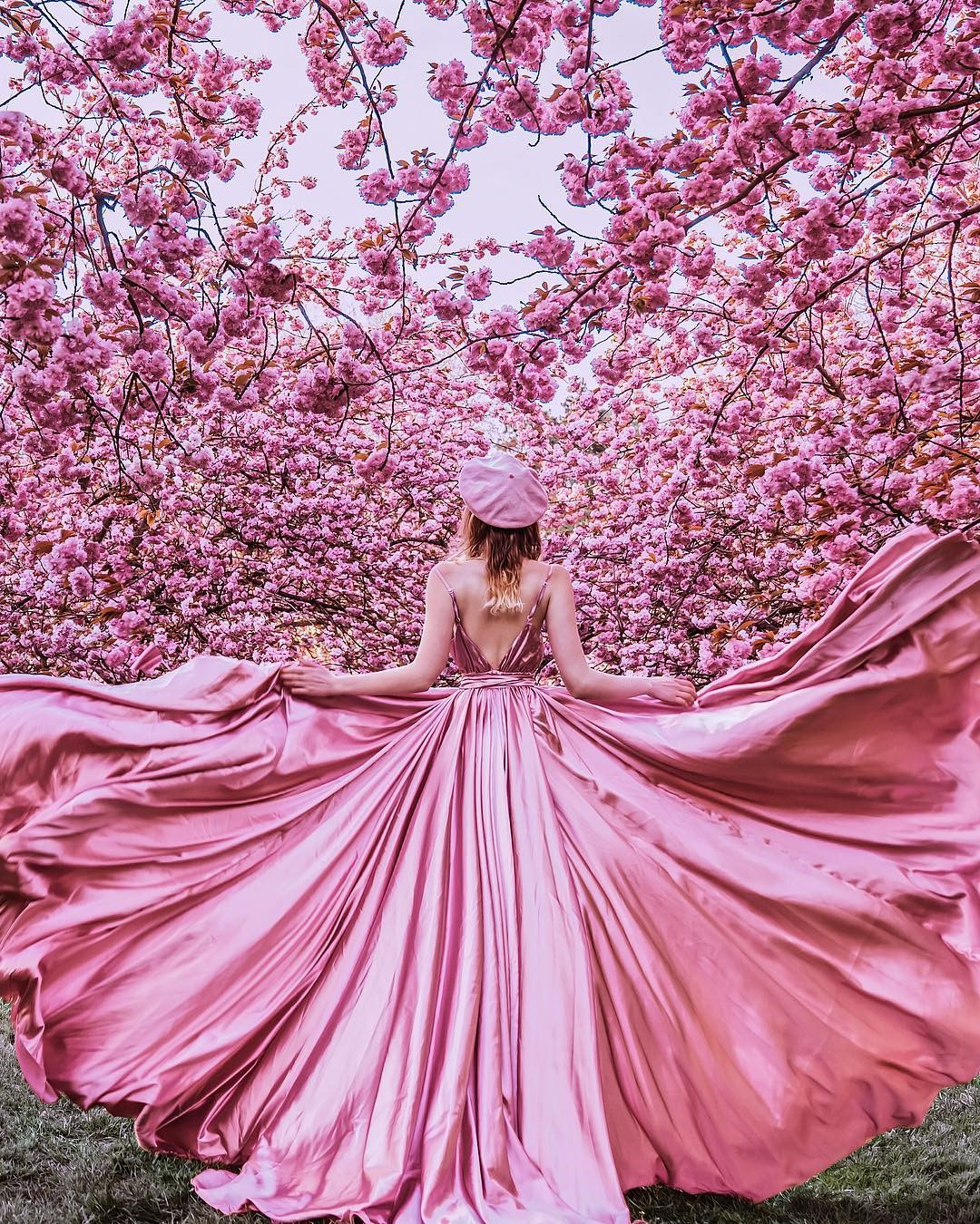 Photographer Shoots Dreamy Gowns Against Jaw-Dropping Scenery #11 | Her Beauty
