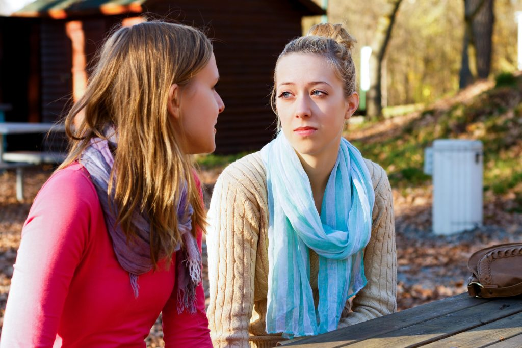 Evitan los noticieros | 6 señales que eres una mujer extremadamente empática | HerBeauty