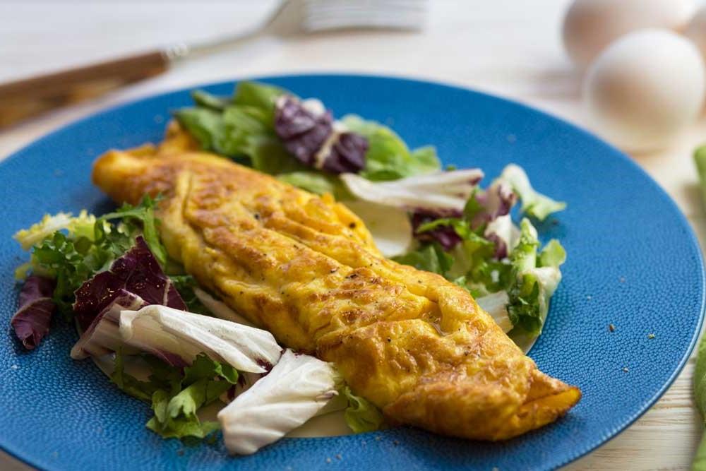 Классический французский омлет | 10 аппетитных блюд из яиц, которые вы приготовите за 10 минут | Brain Berries