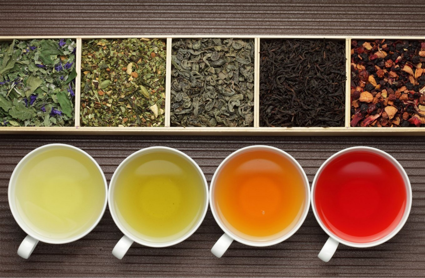 Pour more tea | The Autumn Diet: 8 Healthy Eating Tips for Fall | Her Beauty