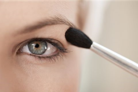 Apply makeup with eyes open | 9 Makeup Tips A Person With Hooded Eyes Needs To Know | Her Beauty