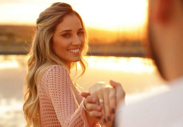 10 Señales de Que Él Quiere Que Tu Hagas el Primer Movimiento | Her Beauty