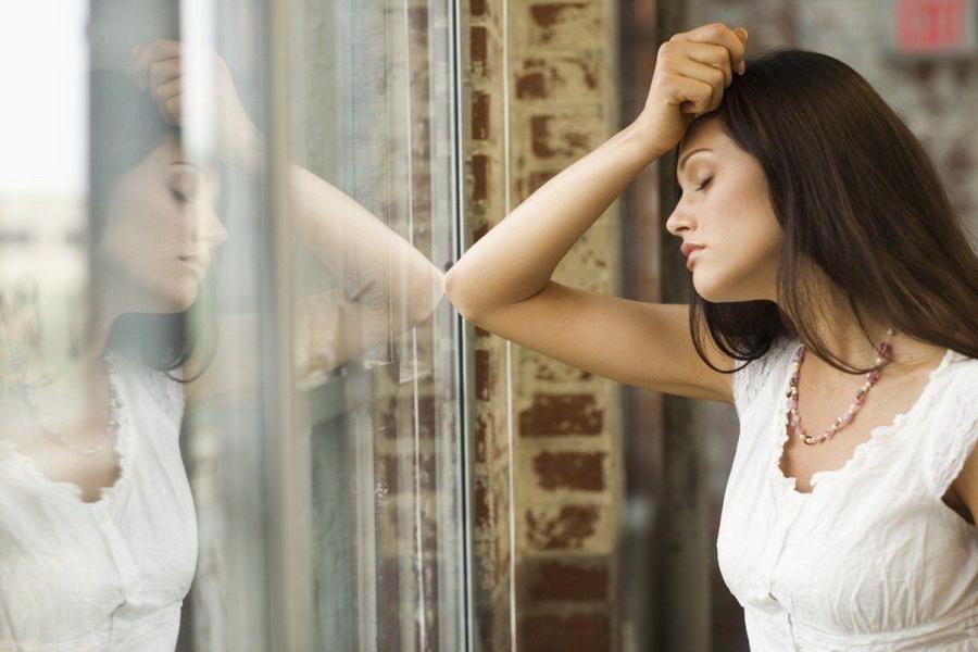 Депрессия | 10 несуществующих недугов | HerBeauty