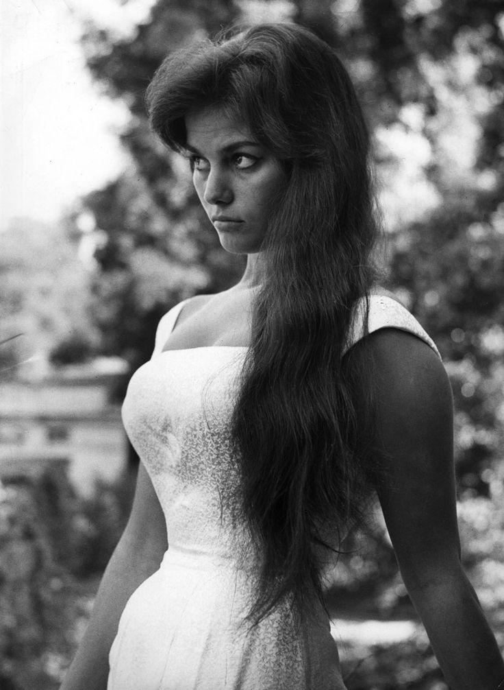 Claudia Cardinale | Le attrici italiane più famose del XX secolo | Her Beauty