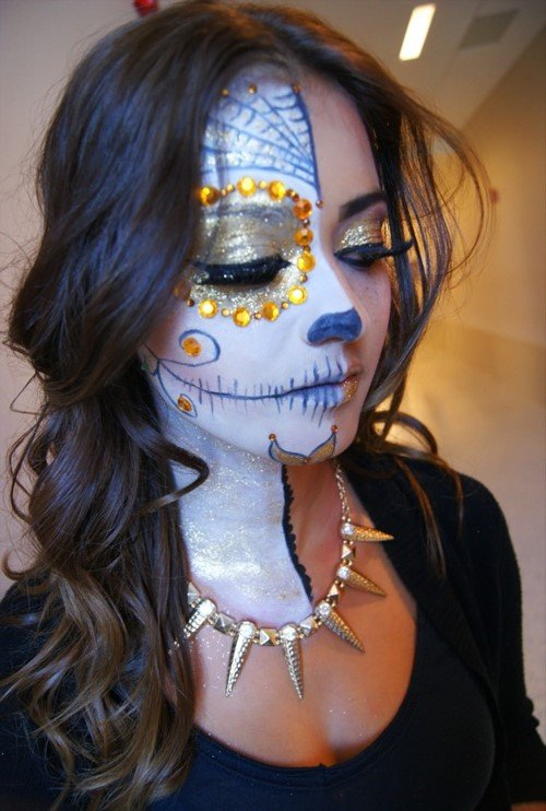 Full skull | 10 Day of the Dead Makeup Ideas | Her Beauty