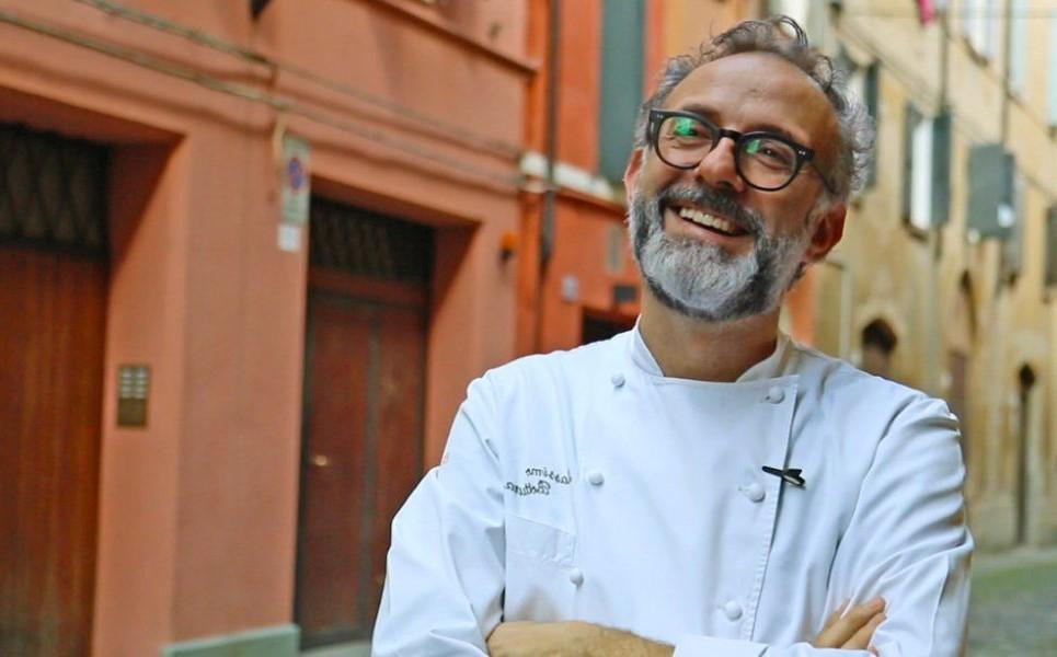 Massimo Bottura  | Chi sono gli chef italiani più famosi (e belli) del mondo? | Her Beauty