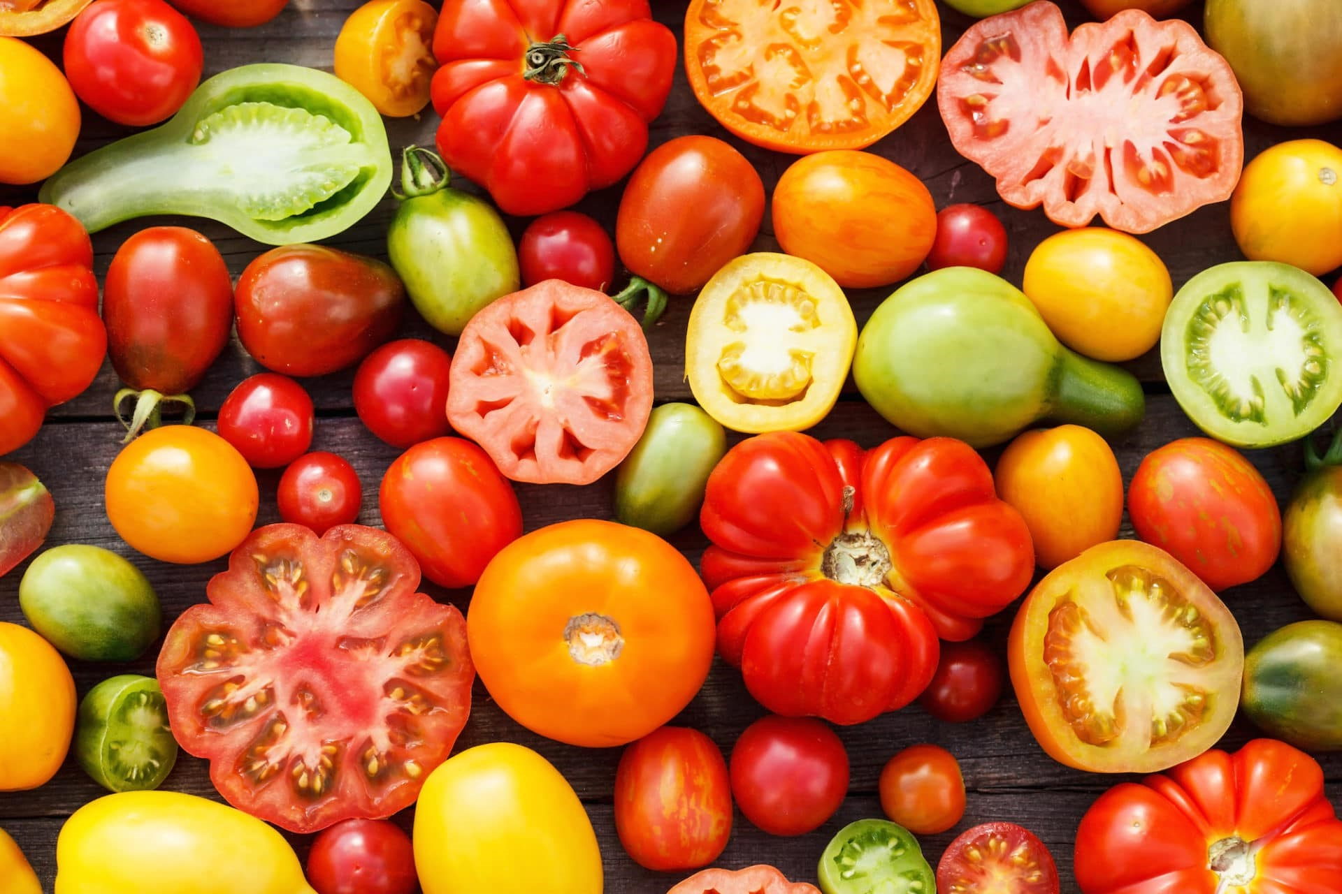 Tomatoes | 10 Foods That Treat Skin Conditions | Her Beauty