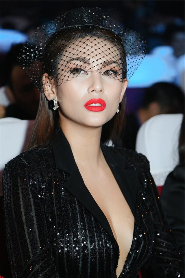 Võ Hoàng Yến | 8 siêu mẫu xinh đẹp nhất Việt Nam | Her Beauty