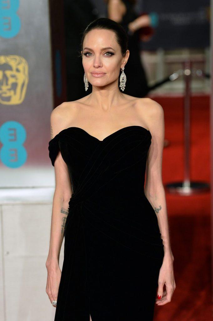 Анджелина Джоли | 10 знаменитостей, которым похудение прибавило | Her Beauty