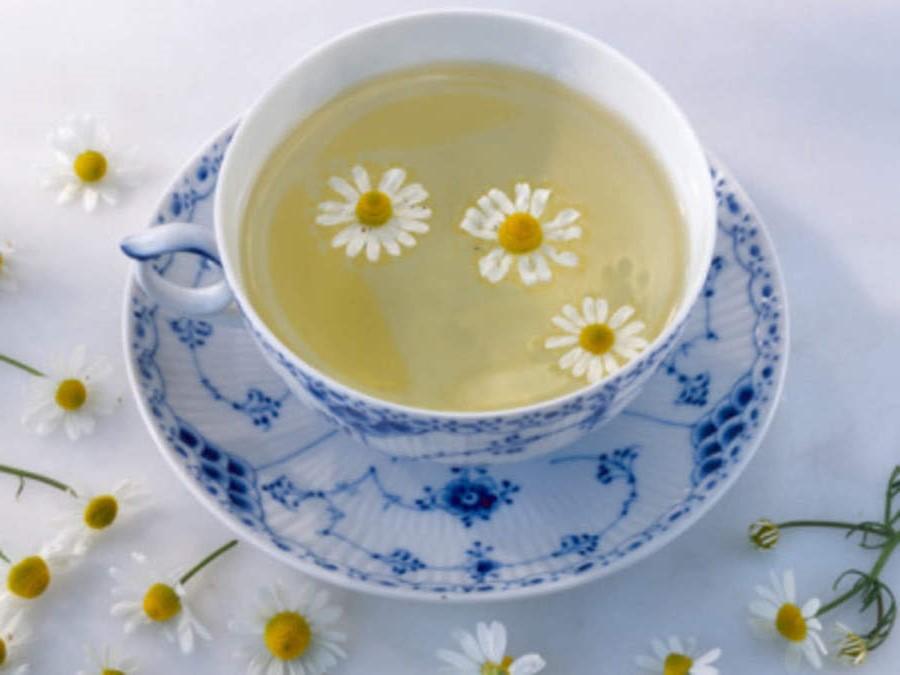 Migliora la digestione | 8 benefici del tè alla camomilla | Her Beauty