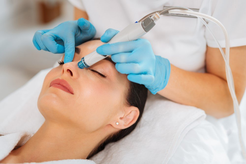 It hydrates while cleaning pores | What You Need to Know About Hydrafacial Treatments | Her Beauty
