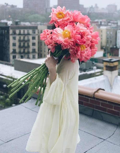 #2 | Сама женственность: девушки с цветами вместо лица в серии фотографий Карлы Коулсон | Her Beauty
