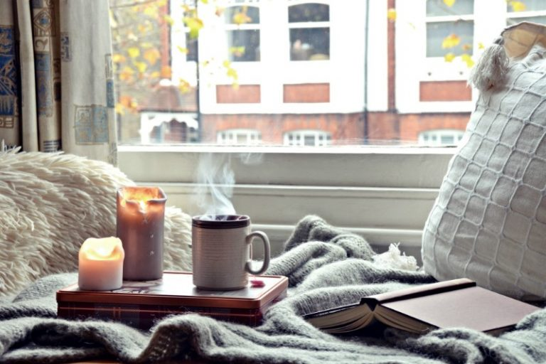 8 Hygge Tips For The Coziest Winter Ever | Her Beauty
