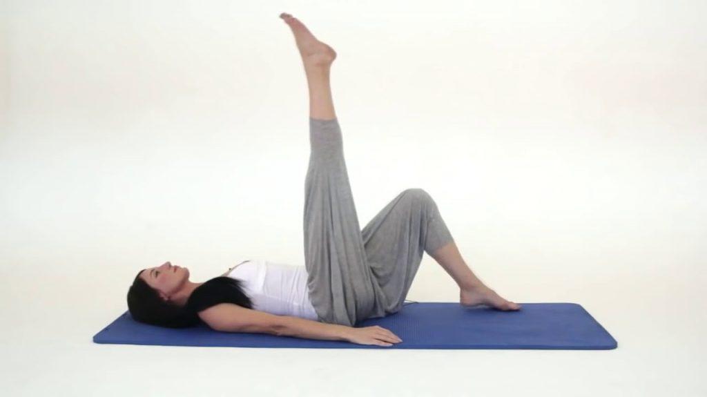 Подтягивание ног | Лимфодренаж: 6 простых упражнений, которые избавят от целлюлита и лишних килограммов | Her Beauty