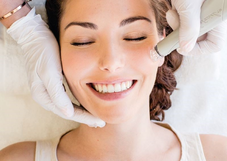 There are reportedly little to no side effects   What You Need to Know About Hydrafacial Treatments   Her Beauty