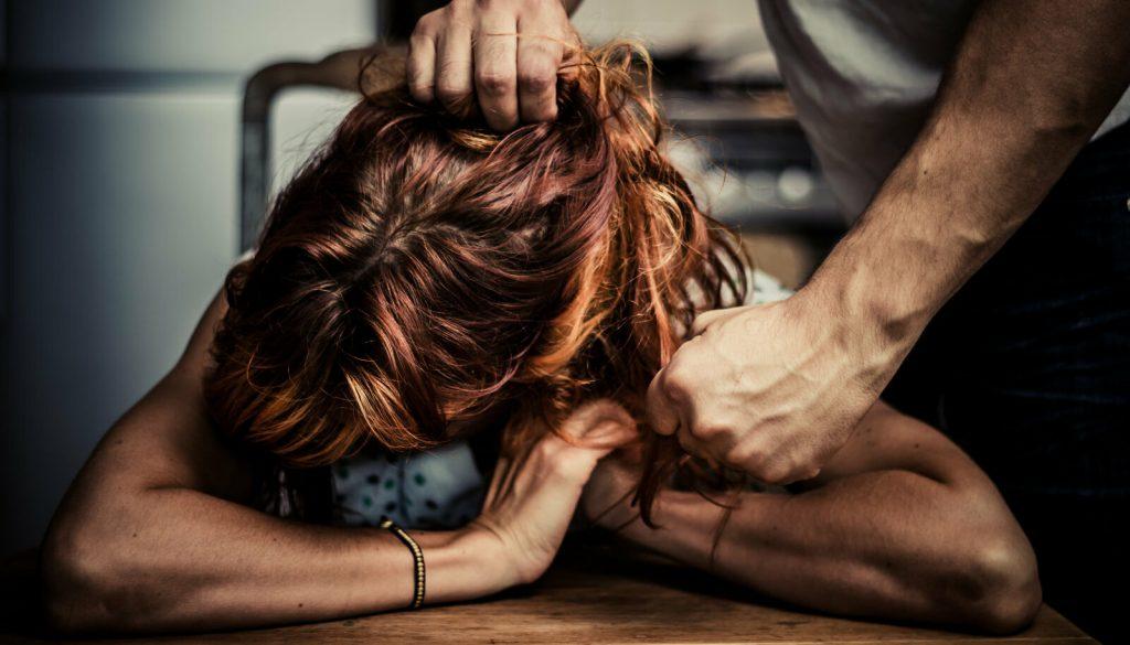 Безопастность | 10 признаков того, что отношения пора заканчивать | Herbeauty