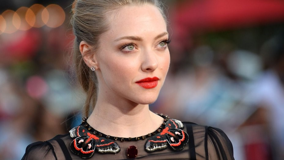 Amanda Seyfried | 10 Actresses with the Most Beautiful Eyes | Her Beauty