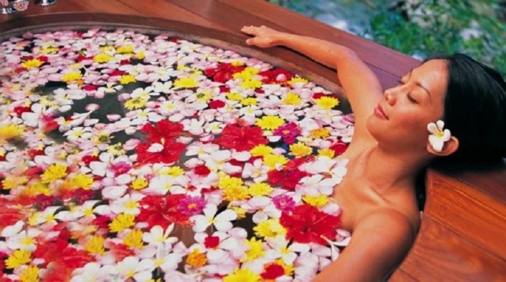 เพลินกับการอาบน้ำสุดผ่อนคลาย   7 คุณประโยชน์ด้านความงามสุดอัศจรรย์ของเกลือทะเล   Her Beauty