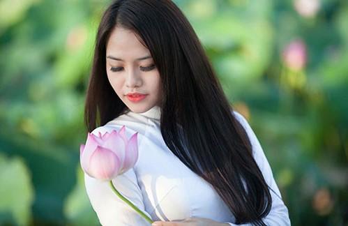 Mồi chài những lời khen | 7 điều mà các nàng nghĩ sẽ làm các chàng ấn tượng nhưng thực tế lại không | Her Beauty