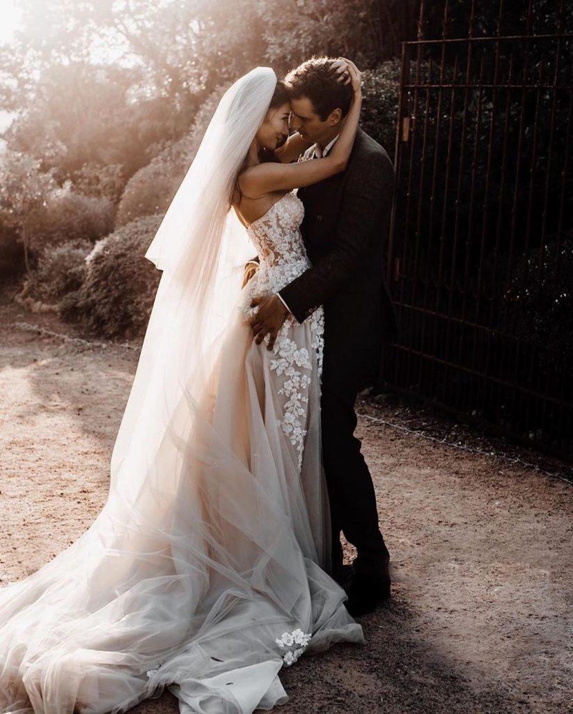 Весы | Идеальный возраст для заключения брака по знакам Зодиака | Her Beauty