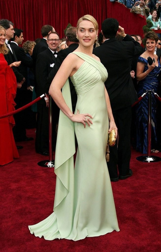 5. Kate Winslet |  The 10 Most Expensive Oscar Dresses Of All Time |  Her beauty
