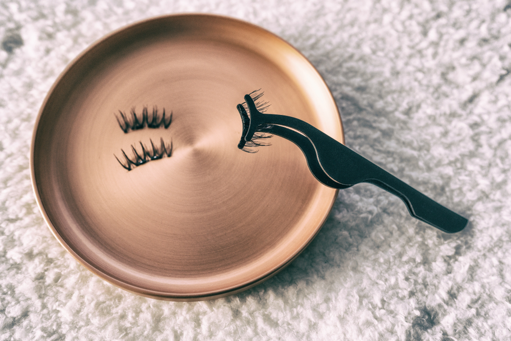Things to consider when buying magnetic lashes | All You Need to Know About Magnetic Lashes | Her Beauty