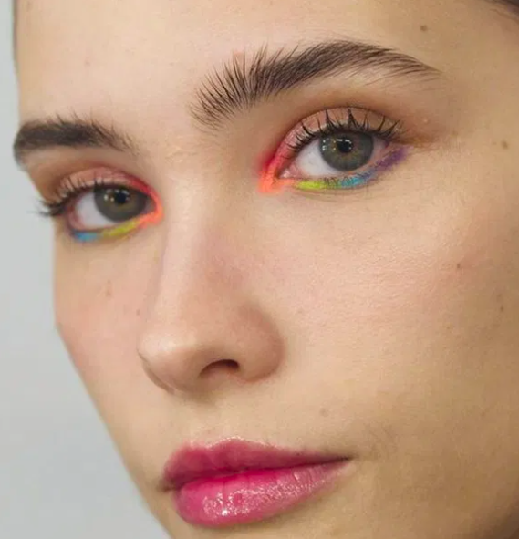 Graphic Eyeliner Makeup Ideas for Summer #8 | Her Beauty