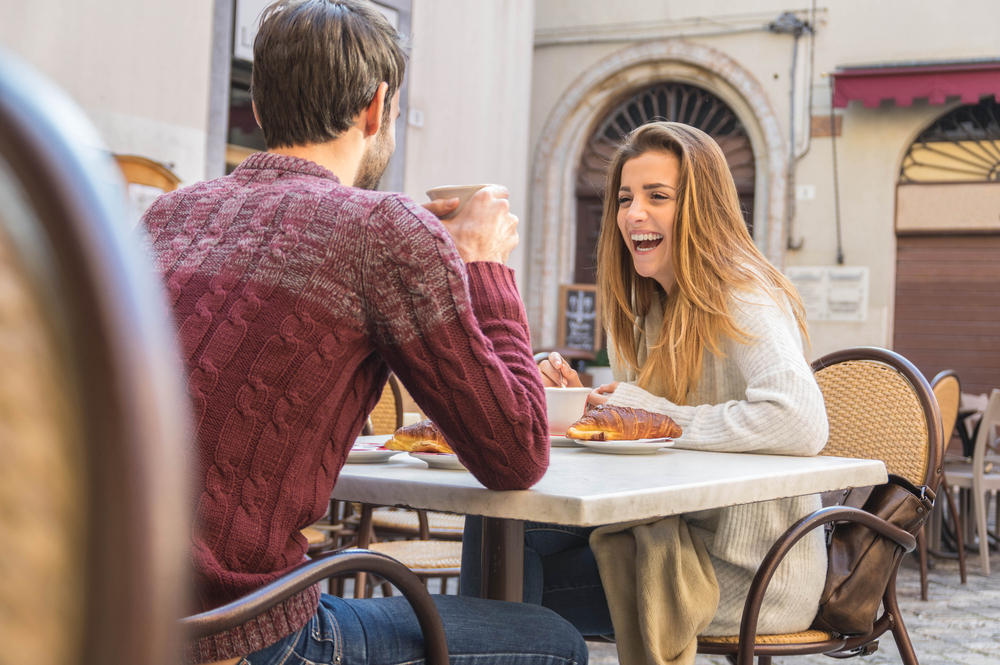 2. You Both Talked Roughly The Same | 8 Signs It Was A Good First Date | Her Beauty