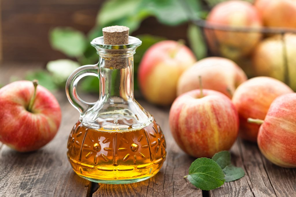 Treat dandruff | 7 Ways Apple Cider Vinegar Will Boost Your Health and Beauty | Her Beauty
