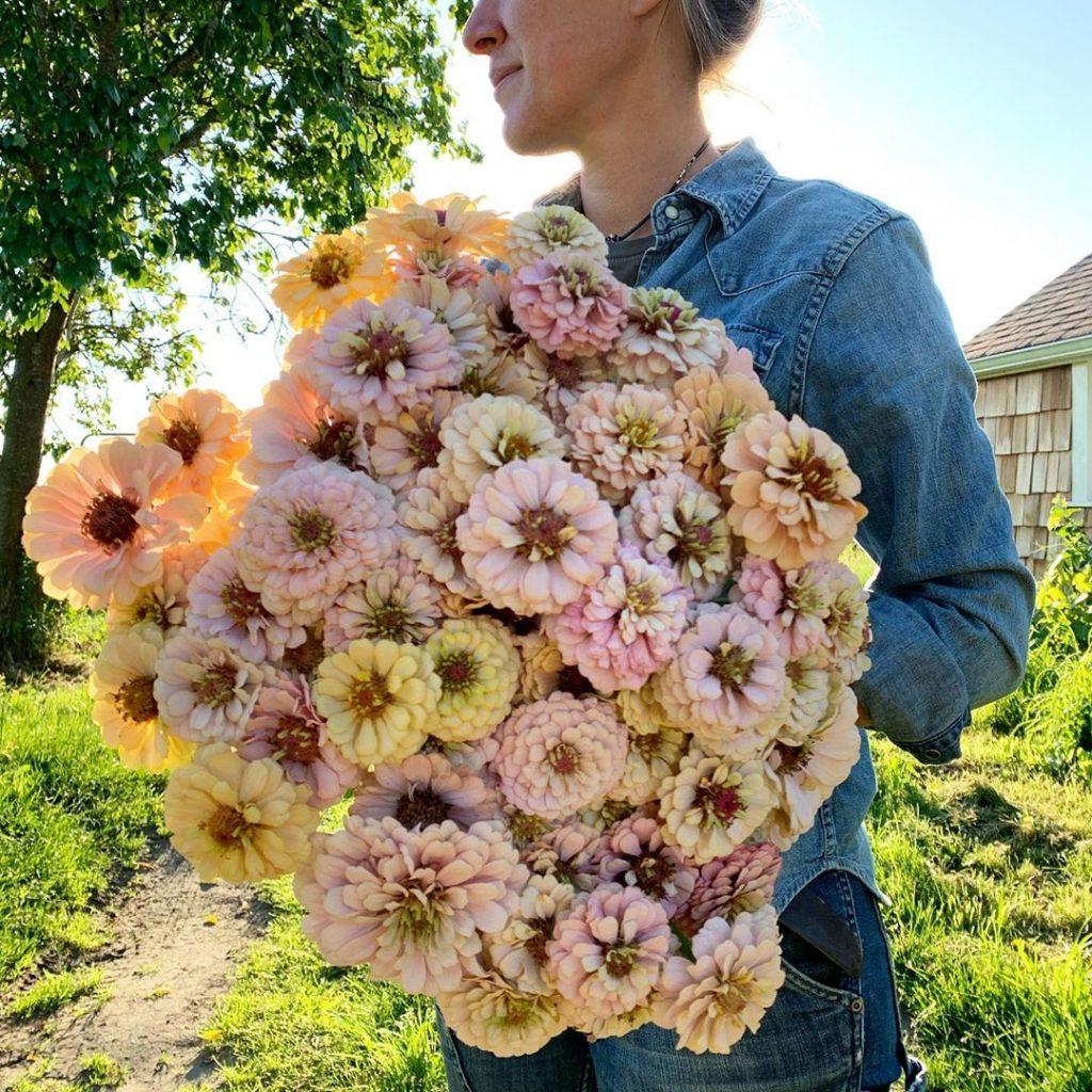 This Unreal Flower Farm Makes The Most Gorgeous Floral Arrangements #14 | Her Beauty