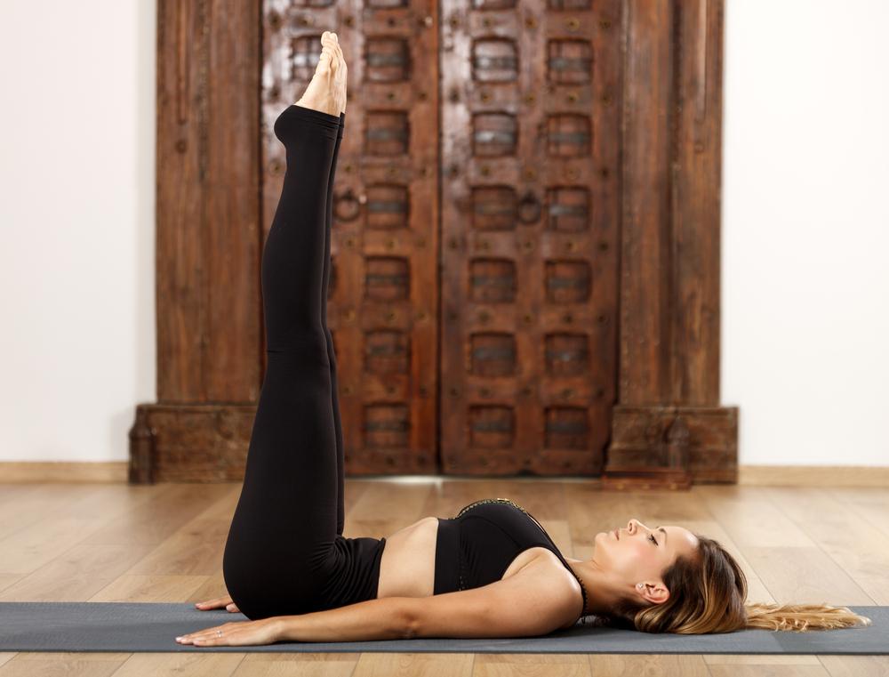 8 Posturas De Yoga Para Aumentar Tu Inmunidad, Flexibilidad Y Estado De Ánimo #7   Her Beauty