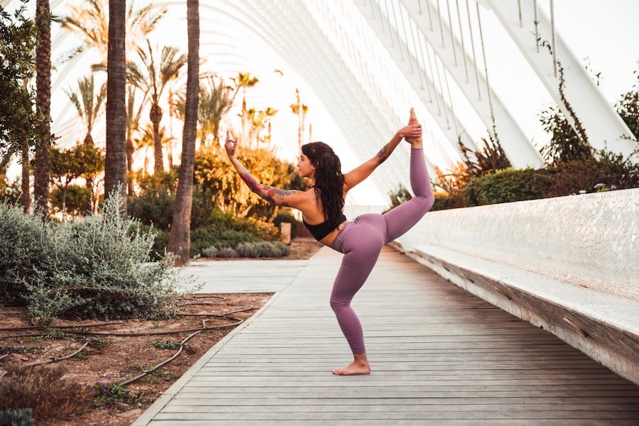 1. Warm-Up | 8 Best Tips On Getting More Flexible | Her Beauty