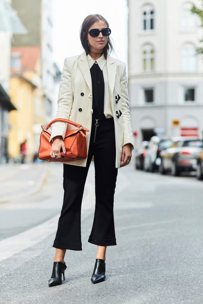 14 Chic Ways To Carry Around A Coloured Bag #2 | Her Beauty