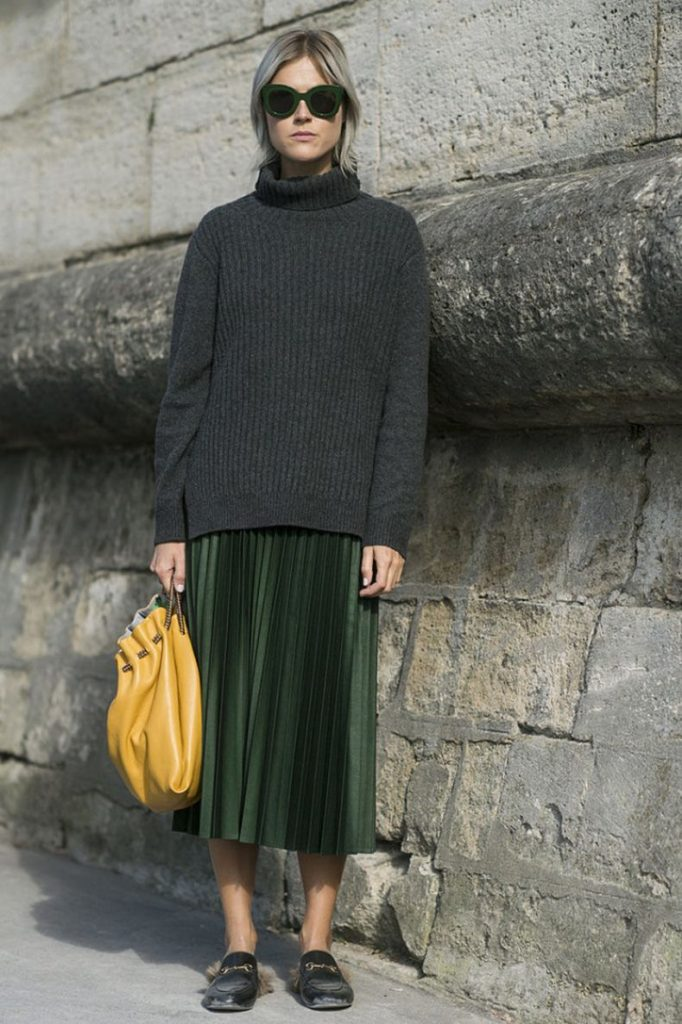 14 Chic Ways To Carry Around A Coloured Bag #4 | Her Beauty