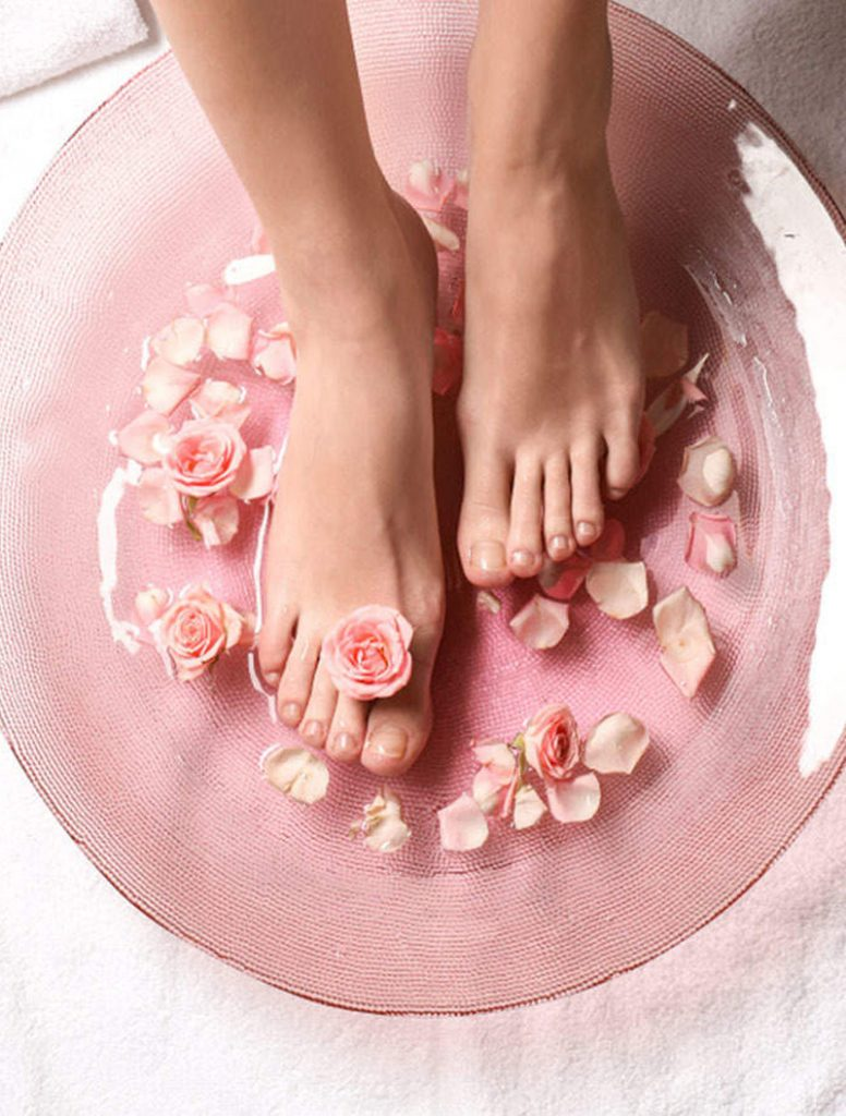 Soften Feet | 8 Special Uses for Baking Soda You Never Knew | Her Beauty