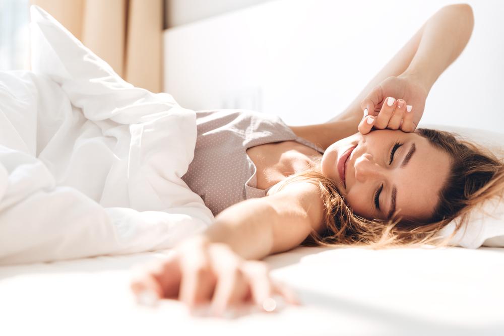 How to Fix Your Sleep Schedule: 10 Tips | Her Beauty