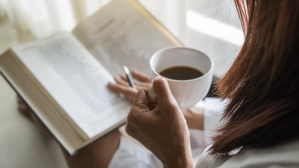 How to Fix Your Sleep Schedule: 10 Tips #6 | Her Beauty