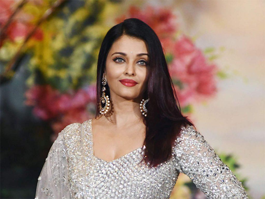 8 भारतीय अभिनेत्रियाँ जो अपने धर्मार्थ कार्य के लिए जानी जाती हैं #4   Her Beauty